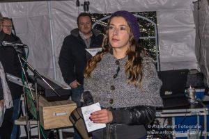 Eva Derks zingt het liedje van Wereldlichtjesdag Precious Child
